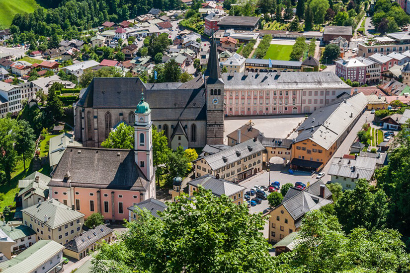 Der Schlossplatz in Berchtesgaden