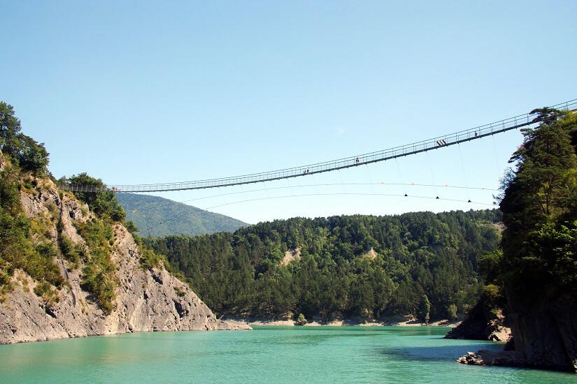 Hängebrücke über den Lac du Monteynard