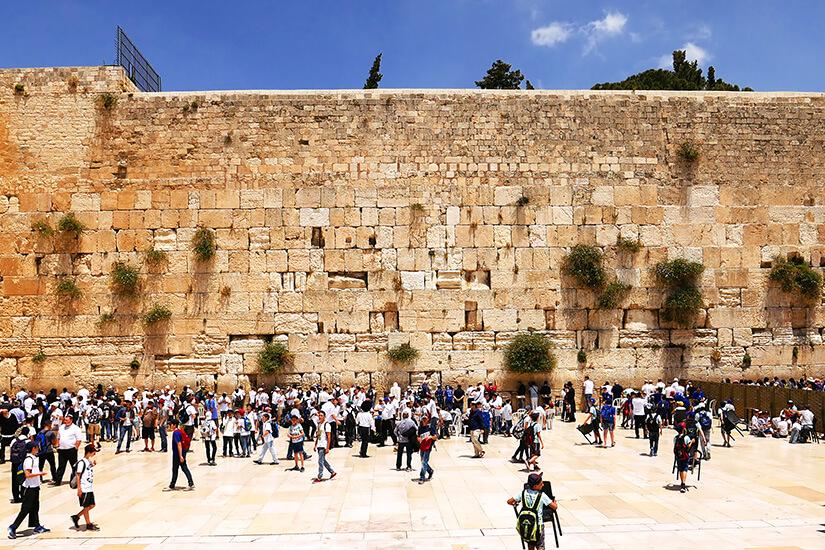 Gläubige vor der Klagemauer