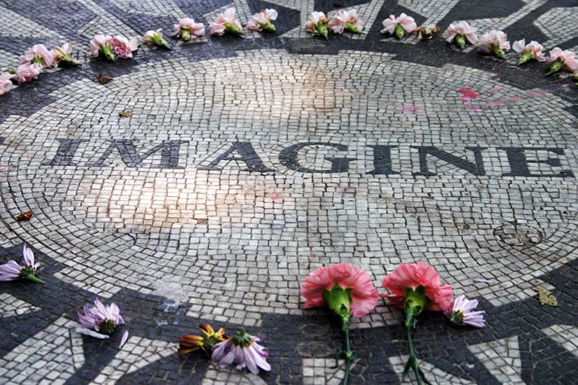 Strawberry Fields erinnern an John Lennon
