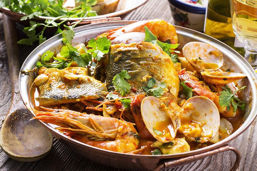 Cataplana, Spezialität mit Fisch und Meeresfrüchten