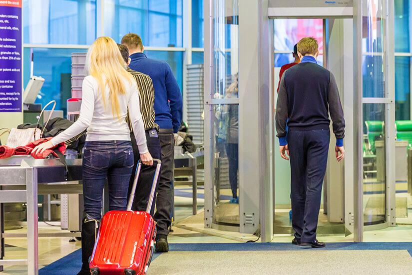 Sicherheitscheck am Moskauer Airport