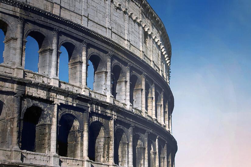 Details des Kolosseums erkunden
