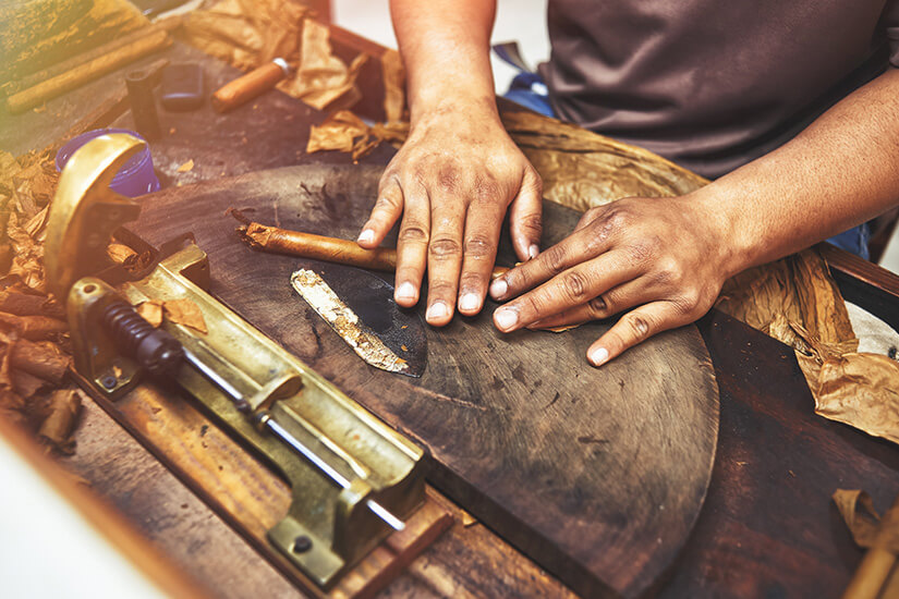 Handgerollte Zigarren sind Tradition