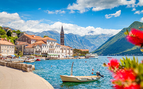 Atemberaubende Bucht von Kotor