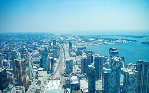 CN Tower mit Blick auf Toronto Islands