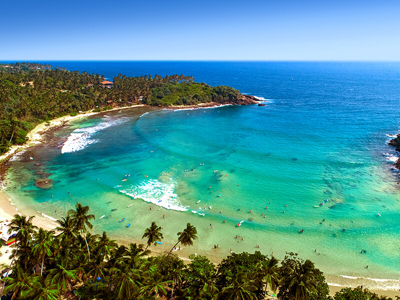 Surfstrand Hiriketiya auf Sri Lanka