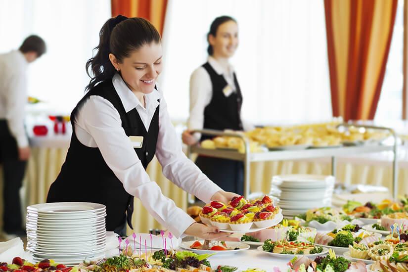 Frische Speisen in Buffetform