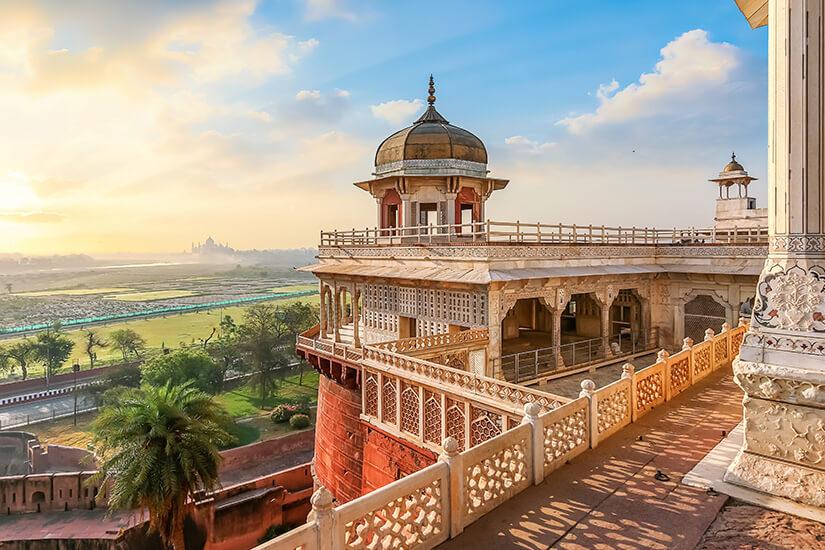 Agra Fort mit Blick auf Taj Mahal