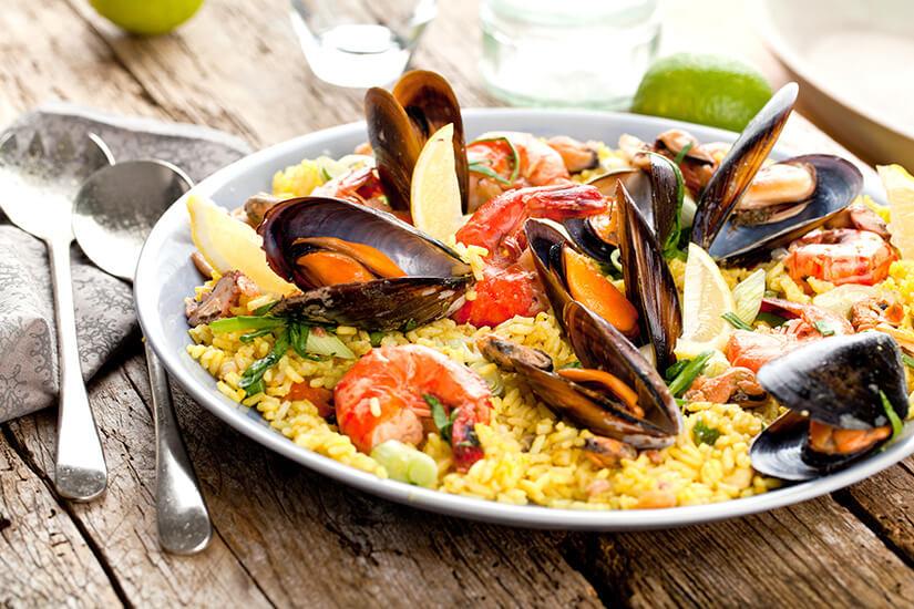 Paella ist typisch spanisch