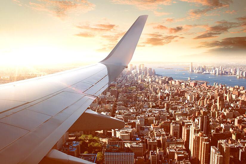 1571911325_im Flugzeug