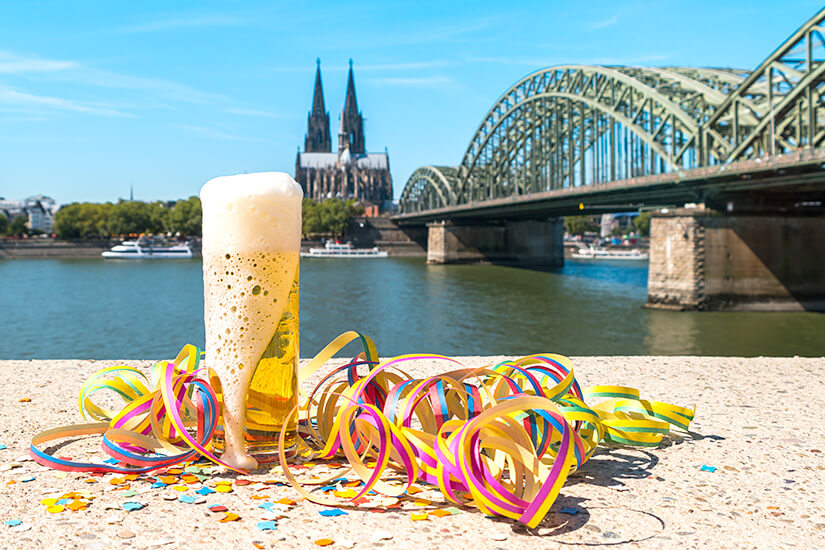 Sonniges Wetter beim Karneval in Köln