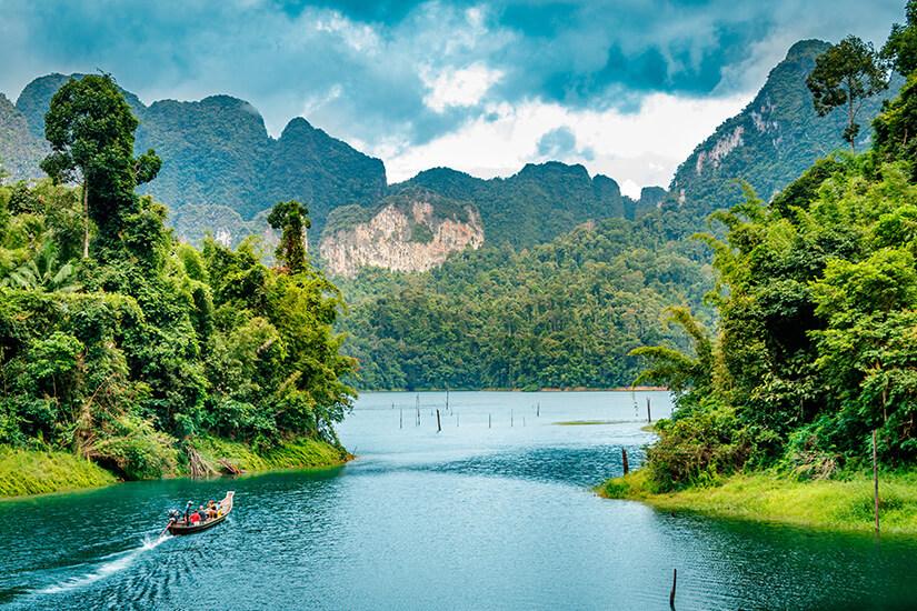 Ratchaprapha Dam im Khao Sok National Park