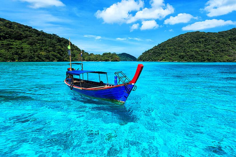 Mit dem Boot zu den Surin Islands