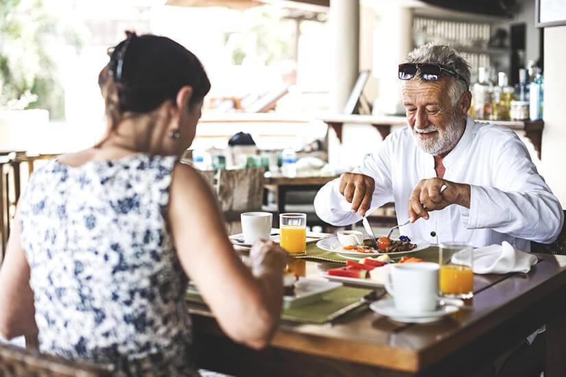 Senioren genießen die Vollpension