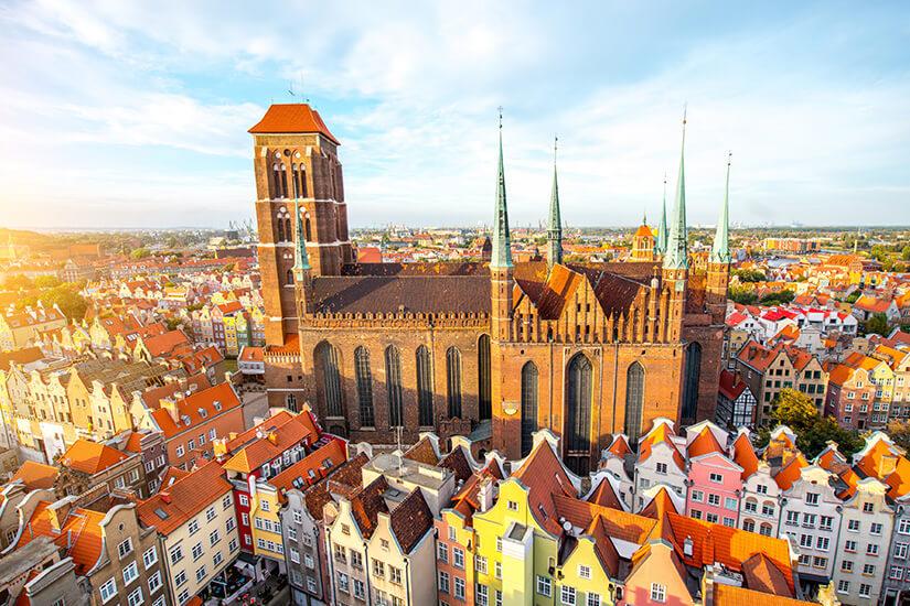 Danzig und Blick auf die bekannte Marienkirche