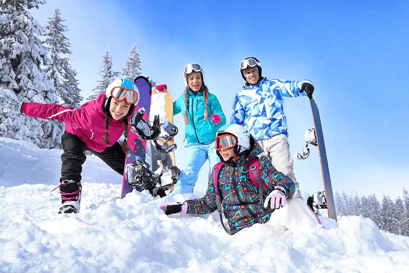 Als Gruppe unterwegs im Schnee