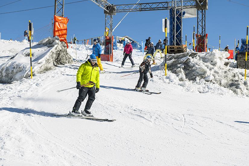 Skisport auf dem Trockenen Steg in Zermatt