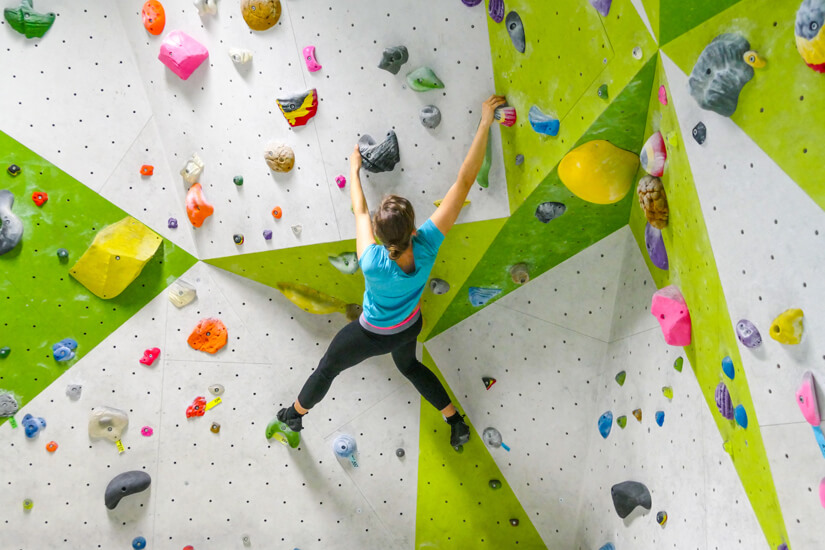 Bouldern in Kletterhalle