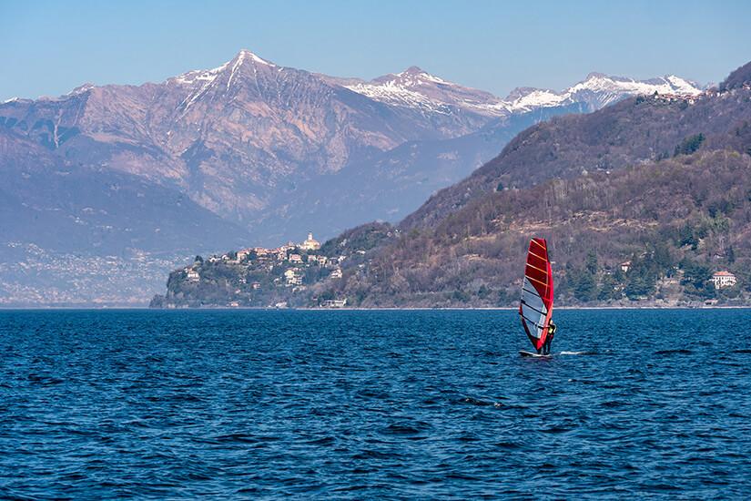 Windsurfen auf dem Lago Maggiore