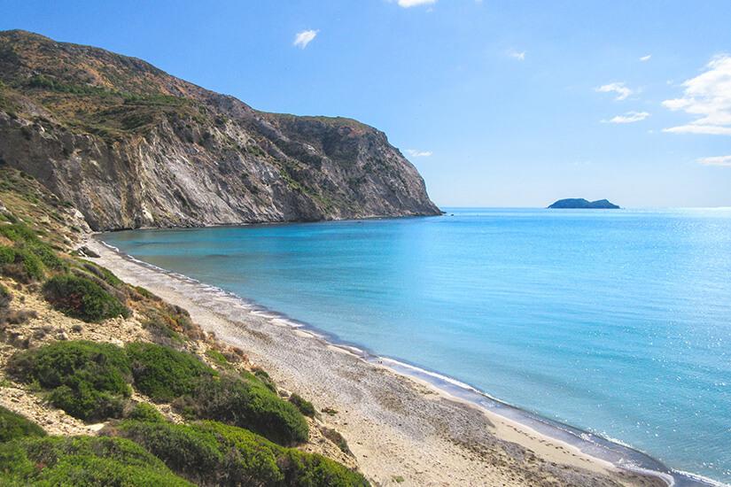Kalamaki Beach mit Blick auf die Bucht von Laganas