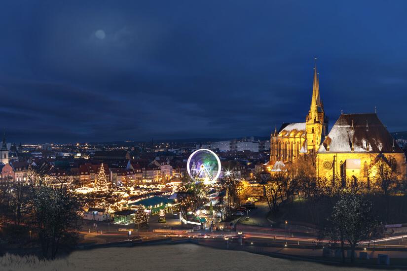 Weihnachtsmarkt vor dem Erfurter Dom