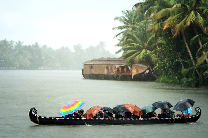Gegen den Monsun hilft kaum ein Regenschutz