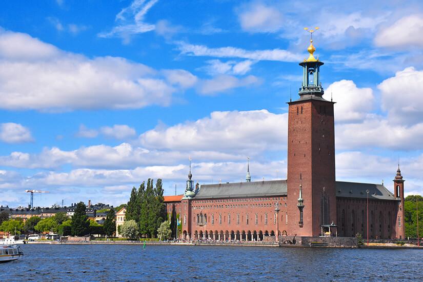 Stockholmer Rathaus, Blick vom Wasser aus