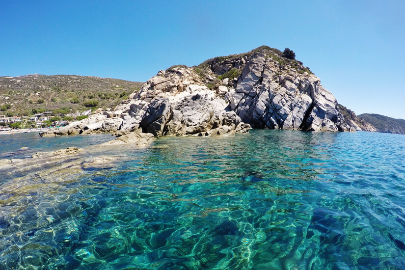 Kristallklares Wasser vor Elba