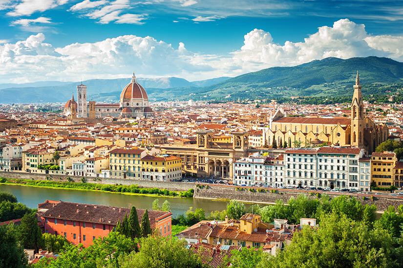 Florenz vor den grünen Hügeln der Toskana