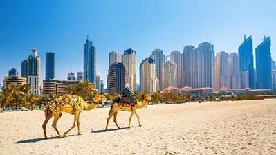 Dubai Strand und Skyline