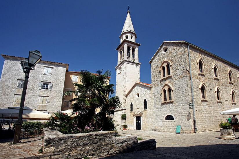 Die Kirche Sveti Ivan in Budva