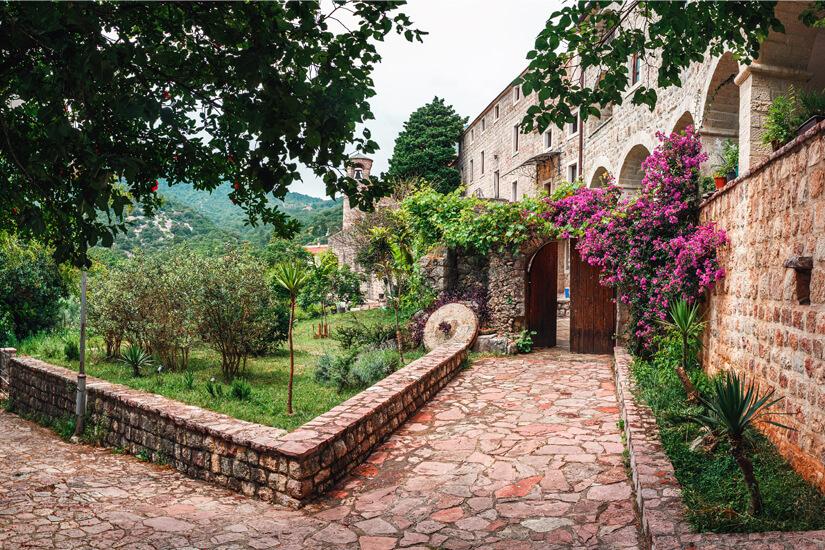 Kloster Podostrog mit Garten