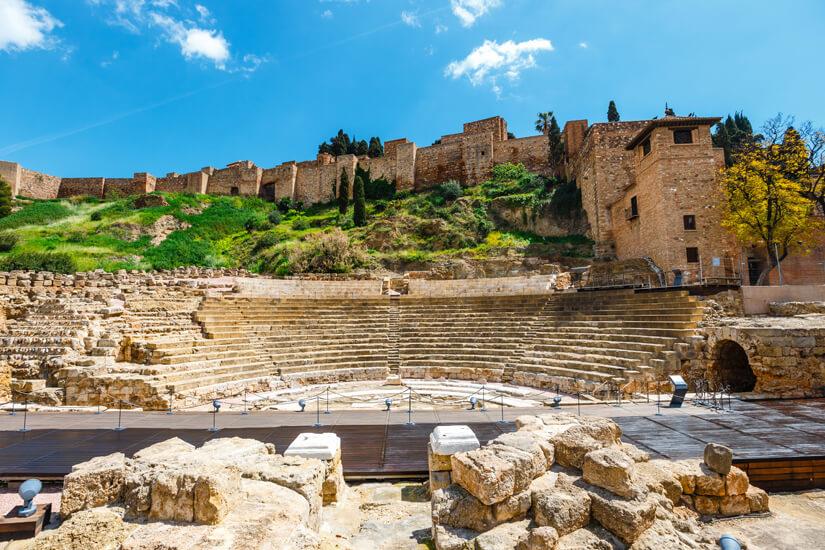 Das römische Theater und die Alcazaba
