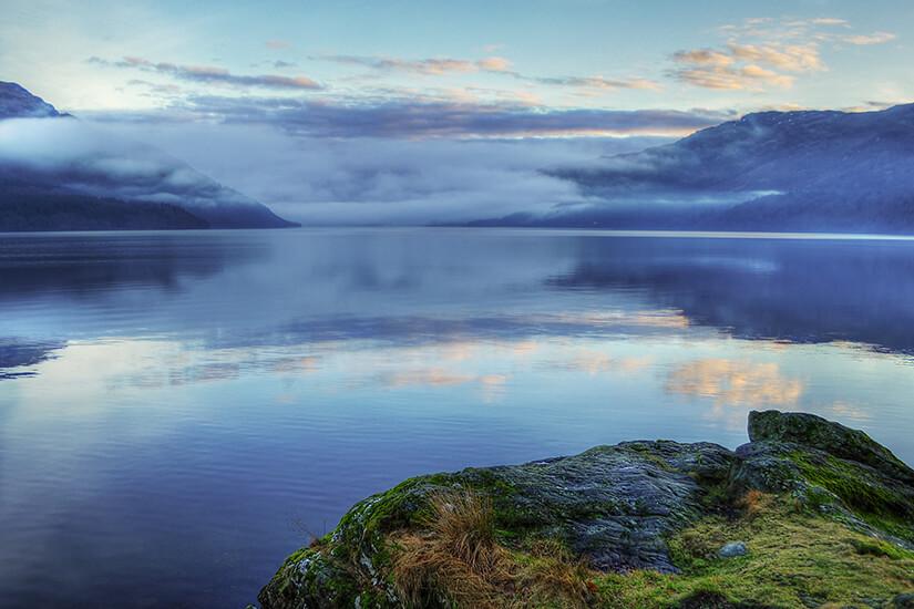 Loch Lomond nach Sonnenuntergang