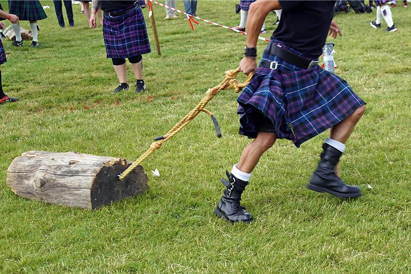 Die Highland games sind etwas für starke Männer