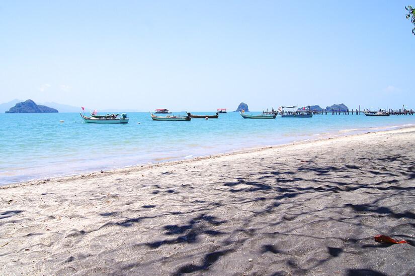 Black Sand Beach auf Langkawi