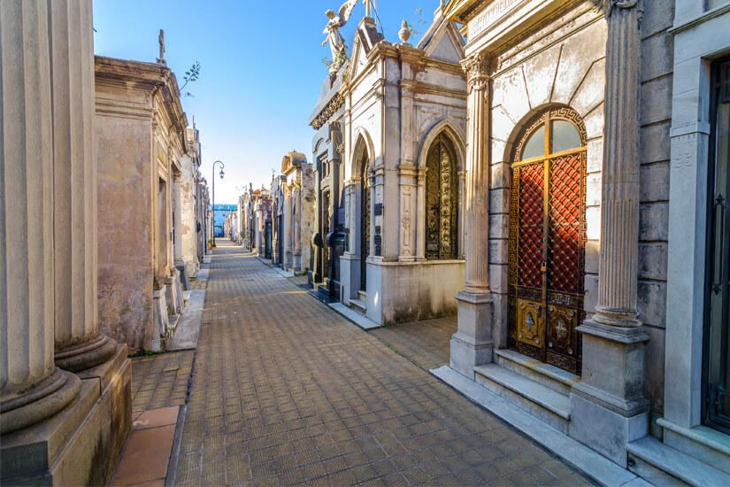 Mausoleen im El Cementerio de la Recoleta