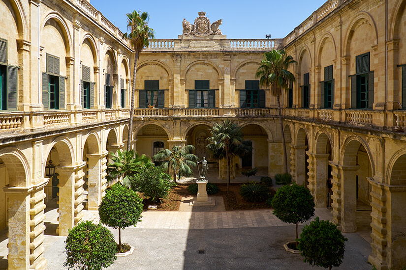 Innenhof des Großmeisterpalasts