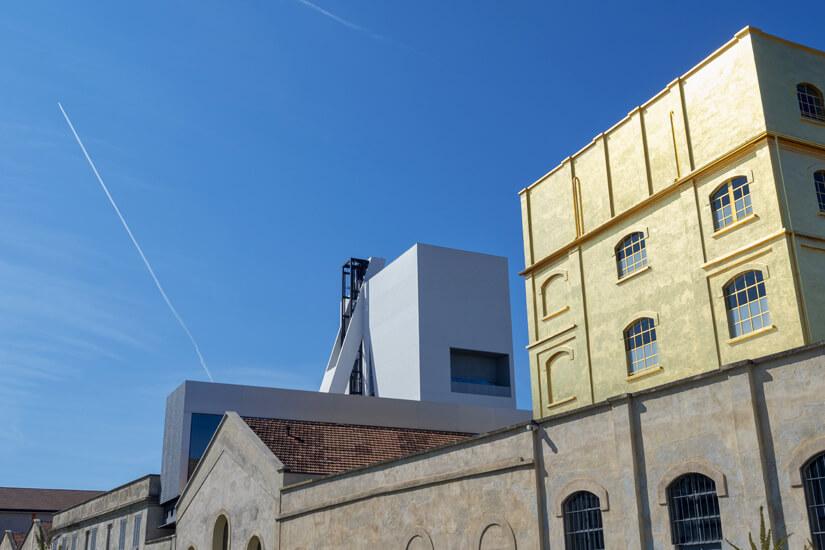 Die Fondazione Prada ist mit Blattgold überzogen