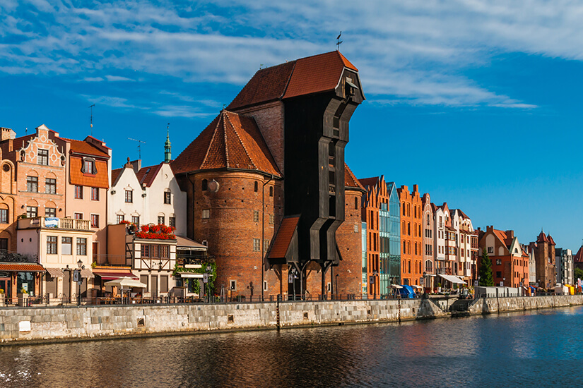 Das historische Krantor am Hafen