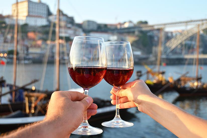 Portwein trinken am Douroufer