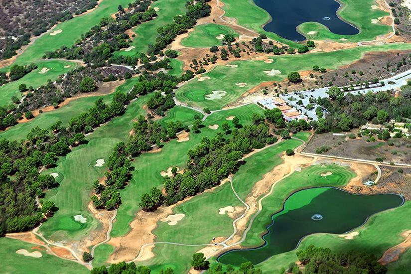 Golfplatz auf Mallorca aus der Luft