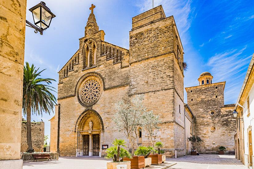 Die Església de Sant Jaume in Alcúdia