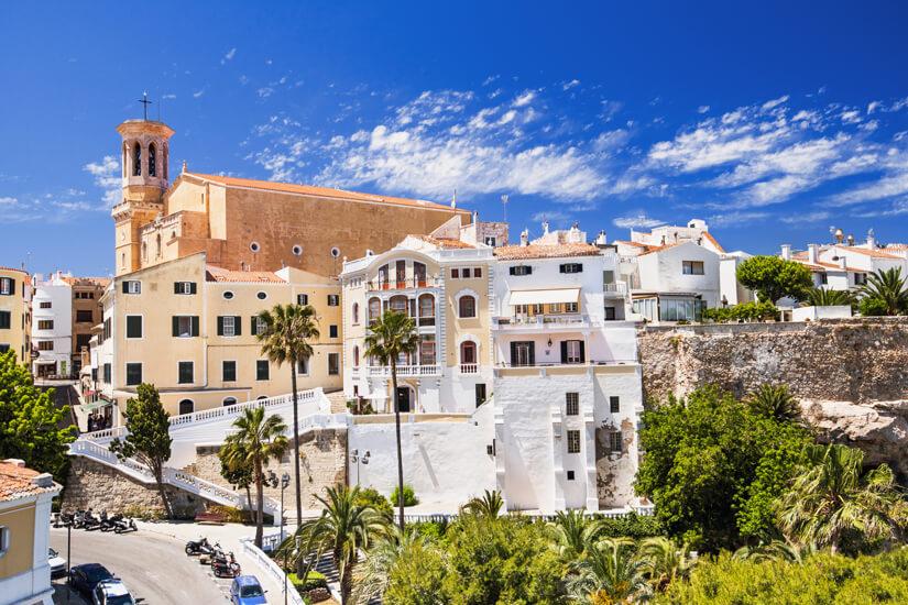 Mahon ist ein sehenswerter Ort auf Menorca