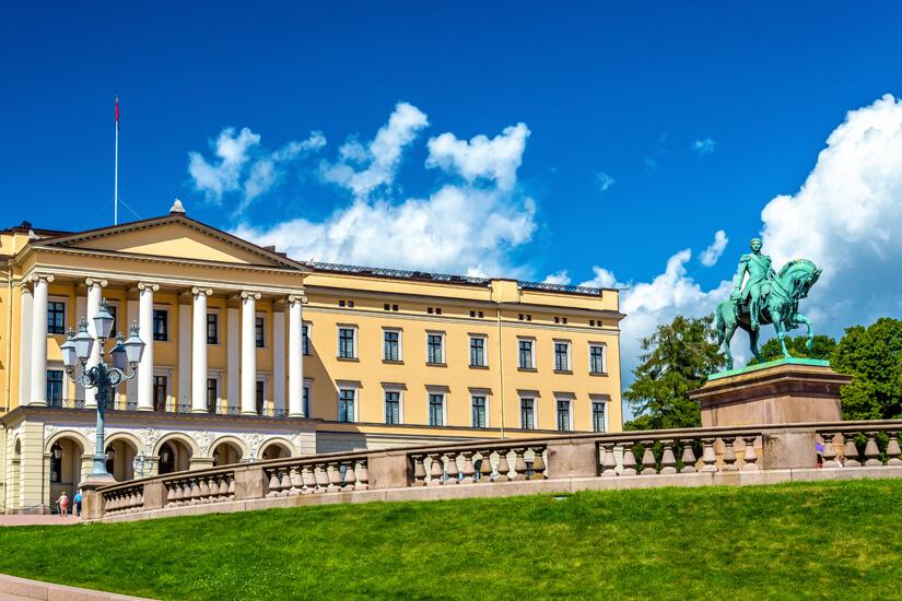 Schloss der Koenigsfamilie in Oslo