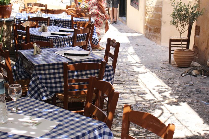 Einkehr in eine typisch griechische Taverne