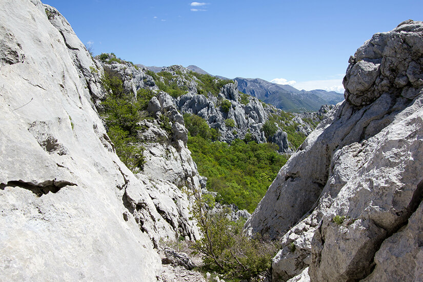 Berge und Felsen im Paklenica Nationalpark