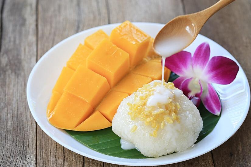 Mango mit suessem Reis
