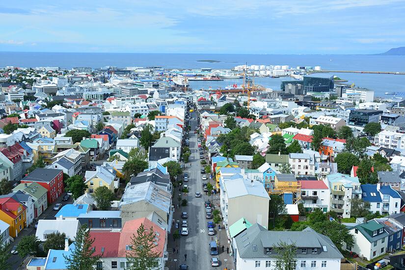Eine der Haupteinkaufsstrassen in Reykjavik